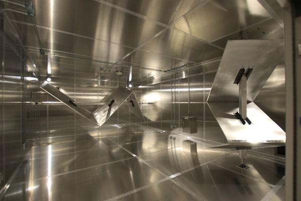 リバブレーションチャンバー:攪拌機により均一な電界空間を実現
