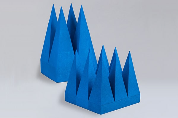 TUP:ピラミッド型電波吸収体(ウレタンタイプ)