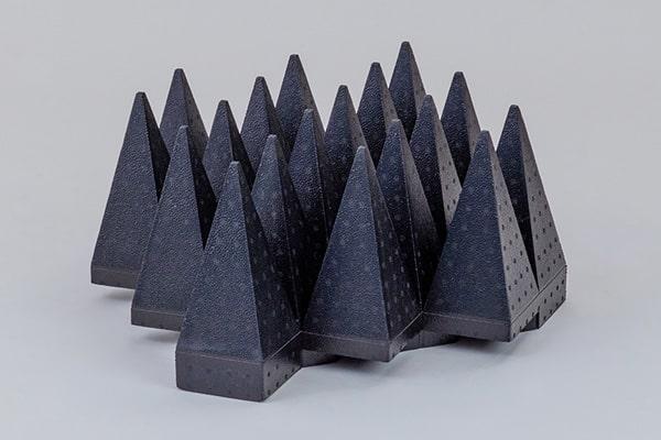 TPP:ピラミッド型電波吸収体(ポリプロピレンタイプ)